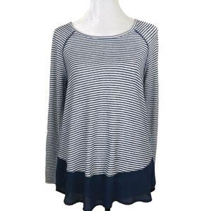 5/$25 Lucy & Laurel Blue & White Striped Top L